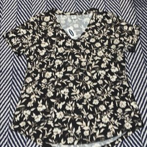 Old Navy LUXE V-Neck top MED FLOWERS NWT slinky D
